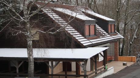Die Naturfreunde Klosterlechfeld bitten Untermeitingen um finanzielle Unterstützung bei der energetischen Sanierung ihres Vereinsheims, des Oskar-Weinert-Hauses. Das steht auf dem Gemeindegebiet von Scheuring und ist vom Verein nur gepachtet. Trotzdem zahlt Untermeitingen.
