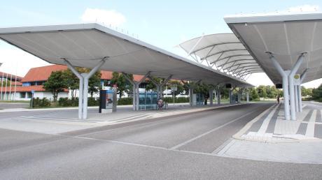 Plötzliche Leere am Bussteig: Im Dezember fielen mehrfach und ohne Ankündigung Busverbindungen zwischen Königsbrunn und Augsburg aus.