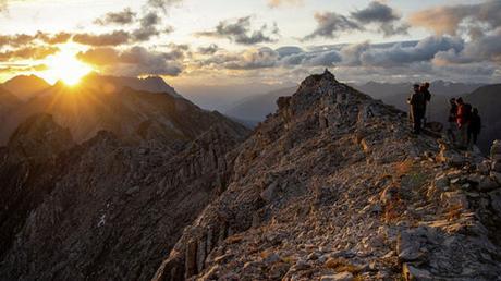 Herrliche Aussichten können die Wanderer während der Alpenüberquerung genießen.