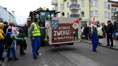Der große Faschingsumzug in Klosterlechfeld findet am Faschingsdienstag wieder statt. Auch große Faschingswagen dürfen wieder dabei sein.