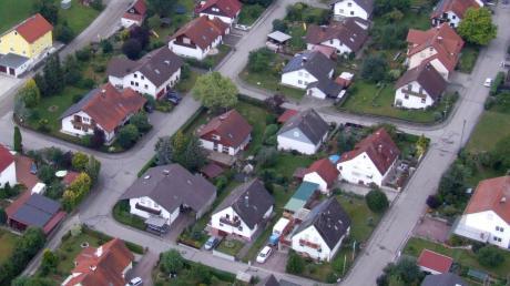 Um Fördermöglichkeiten für die Dorferneuerung in Anspruch nehmen zu können, müsste sich Mickhausen verpflichten, vorrangig auf Möglichkeiten der Innenentwicklung zu setzen.