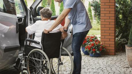 Mobilität ist ein hohes Gut, gerade für ältere Menschen, sagt Erwin Goßner. Er würde gerne einen Seniorenfahrdienst oder einen Bürgerbus einrichten.