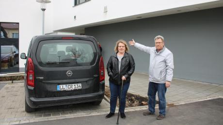 Familie Hilpert aus Obermeitingen beklagt sich über die Parkplatzsituation für Behinderte am Ärztezentrum Untermeitingen.