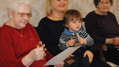 Das Zusammentreffen von Senioren und Kleinkindern hat das Projekt der Musikschule Martina Brix & Co. im Auge.