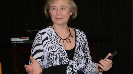 """Autorin Carmen Rohrbach sprach über """"Mein Blockhaus in Kanada""""."""