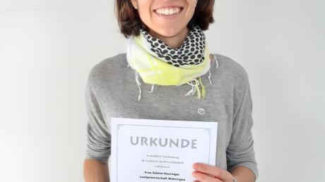 Trainerin Sabine Deuringer erhielt die silberne Ehrennadel des Leichtathletikverbandes.