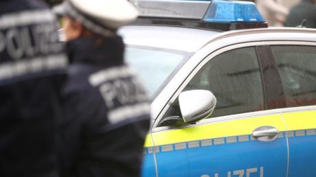 Die Polizei musste am Samstag zu gleich zwei Unfällen bei Woringen anrücken.