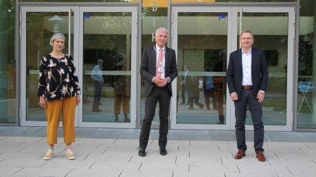 Bürgermeister Lorenz Müller (Mitte) mit seinen beiden Stellvertretern: zweiter Bürgermeister Josef Alletsee und dritte Bürgermeisterin Margit Stapf.