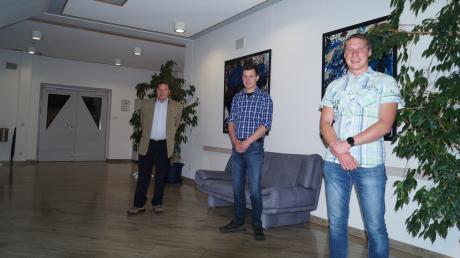 In der jüngsten Sitzung wurden die neuen Gemeinderatsmitglieder vereidigt: (von links) Hermann Zott, Christian Mair und Alexander Baur.