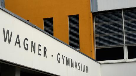 Das Leonhard-Wagner-Gymnasium in Schwabmünchen verzeichnet für das kommenden Schuljahr ähnlich viele angemeldete Fünftklässler wie im vergangenen Jahr.