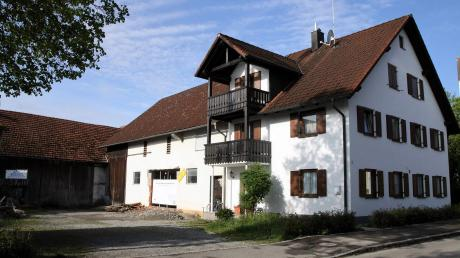 Der Gemeinderat Obermeitingen diskutierte zwei große Bauvorhaben: Eine Fahrzeughalle für den Bauhof (hier im Bild)und den Umbau der alten Schule.