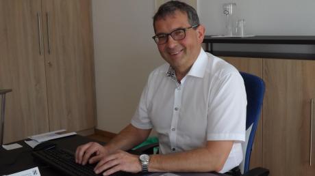 Seit 1. Mai ist Gerald Eichinger Bürgermeister in Langenneufnach. Neben dem Ehrenamt ist er dort weiter Wachleiter der Rettungswache.