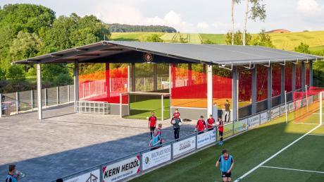 Sosieht eine Freilichtsporthalle aus. Auch in Schwabmünchen soll es schnellstmöglich eine solche Halle geben.