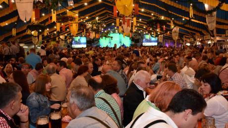 Im Festzelt feierten auf dem Michaelimarkt in Schwabmünchen in den vergangenen Jahren 3000 Besucher. Dieses Jahr wird das anders.