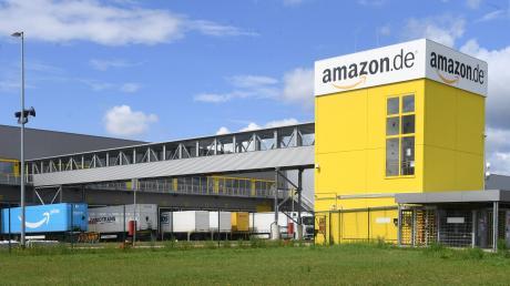 Die Amazon-Mitarbeiter im Logistikzentrum in Graben sind erneut zum Streik aufgerufen. Die Gewekrschaft Verdi fordert seit Jahren bessere Arbeitsbedingungen und die Einfühung eines Tarifvertrags.