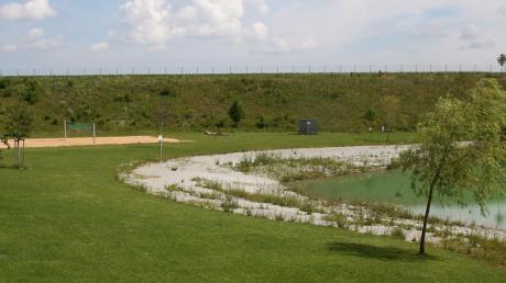 Die Gemeinde Obermeitingen appelliert an die Besucher des Badesees, nur auf den ausgewiesenen Parkplätzen zu parken. Für die Kleinen ist die Errichtung eines Sandkastens geplant. Der genaue Platz wird noch bestimmt.