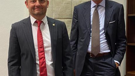 Wechsel bei den Lions: Michael Grob (rechts) übergibt sein Amt an Karl Golczyk.