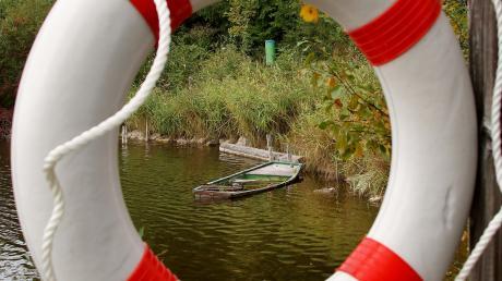 Das Baden an Gewässern kann gefährlich sein: Welche Regeln es zu beachtenn gibt, weiß die Wasserwacht.