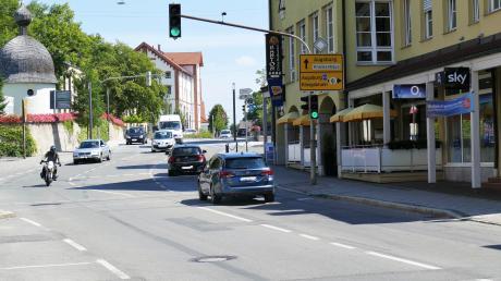 Links und rechts der Lindauer Straße in Bobingen soll es in Zukunft Fahrradstreifen geben.