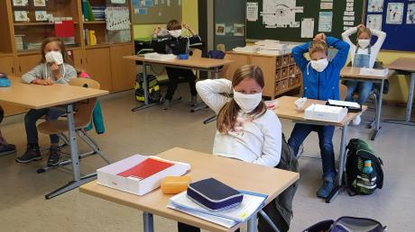 Die Schüler in Langerringen wurden mit Masken ausgestattet.