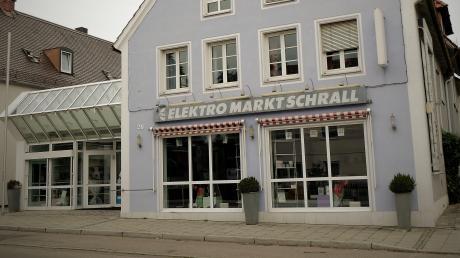 Die ehemaligen Geschäftsräume von Elektro Schrallstehen immer noch leer.