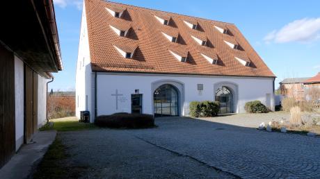 Im ehemaligen Zehentstadel von Großaitingen ist seit 30 Jahren die evangelische Dietrich Bonhoeffer Kirche untergebracht.