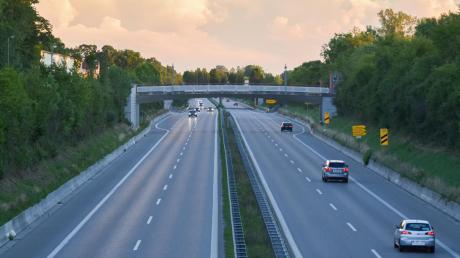 Im Zuge der Fahrbahnsanierung auf der B 17 wird auch die Anschlussstelle Lagerlechfeld nicht nutzbar sein.