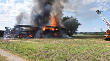 Den größten Einsatz dieses Jahres hatte die Schwabmünchner Feuerwehr am Sonntagnachmittag bei einem Stadelbrand zu bewältigen.