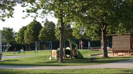 Der Generationenpark in Oberottmarshausen ist bei schönem Wetter gut besucht. Nach einigen Beschwerden von Nutzern hat der Gemeinderat nun über Regeln diskutiert.
