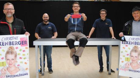 Der Vorsitzende des Wehringer Musikvereins Andreas Jähnert links) und sein Team halten trotz strenger Corona-Auflagen an ihrer Veranstaltungsreihe fest.