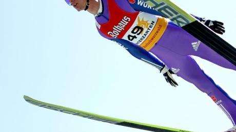 Andreas Wank ist erst der zweite Deutsche, der den Sommer-Grand-Prix gewinnt. Foto: Joachim Hahne dpa