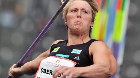 Speerwerferin Christina Obergföll in Aktion.