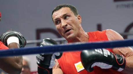 Wladimir Klitschko trainiert in einem Moskauer Fitnesclub.