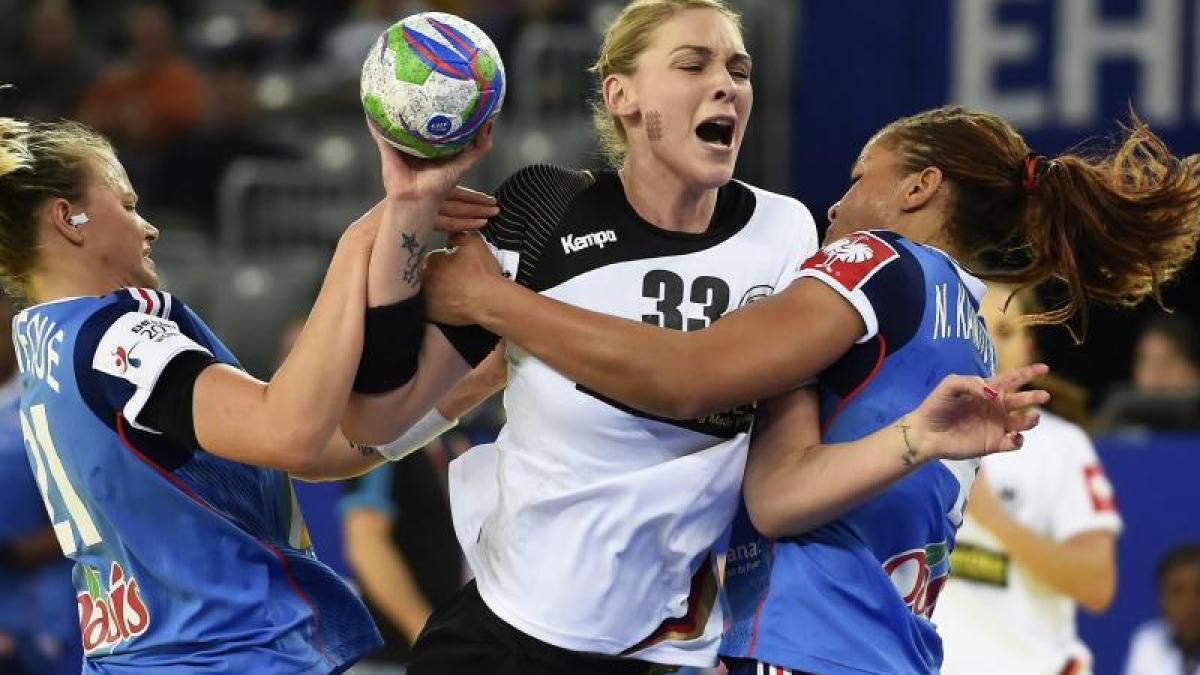 Handball Protest