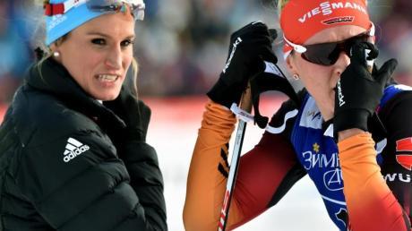 Bei der Siegerehrung müssen Nicole Fessel und Denise Herrmann wieder zuschauen.