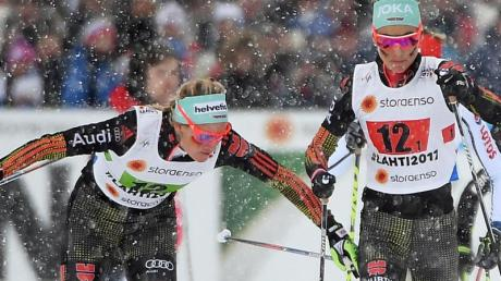 Nicole Fessel (l) wechselt auf Stefanie Böhler. Das deutsche Duo beendet das Rennen auf Rang sechs. Foto:Hendrik Schmidt