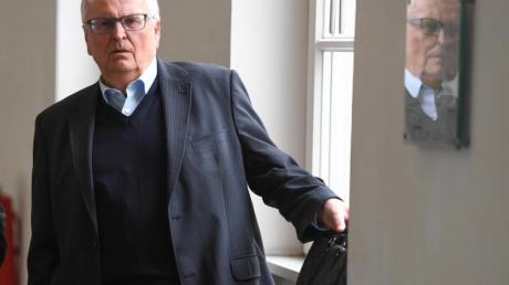 Theo Zwanziger ist mit einer Schadenersatzklage gegen das Land Hessen gescheitert. Foto: Arne Dedert