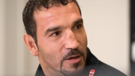 Der 47-jährige Firat Arslan boxt um eine erneute WM-Chance.