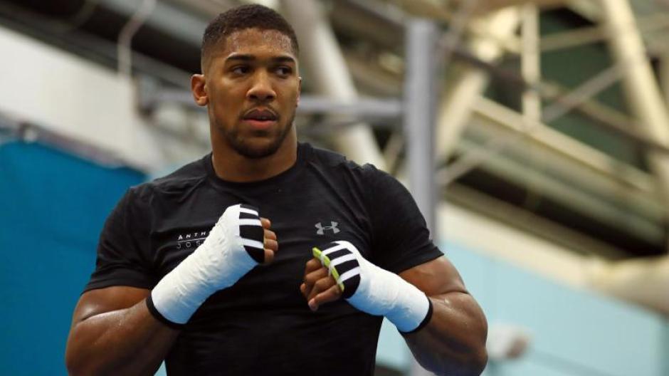 Anthony Joshua boxt gegen Carlos Takam um die Titel der Verbände WBA und IBF. Foto: Tim Goode