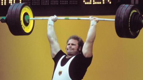 Rudolf Mang bei den Olympischen Spielen 1972. Der Gewichtheber ist im Alter von 67 Jahren gestorben. Foto: dpa