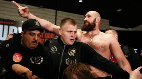 Tyson Fury spuckt schon vor dem Kampf große Töne.