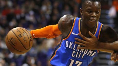 Dennis Schröder kassierte mit Oklahoma City Thunder eine Heimniederlage gegen Washington Wizards. Foto: Rick Scuteri/AP