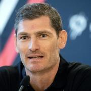 Henning Fritz tippt auf einen Sieg der deutschen Handballer gegen Norwegen. Wenn Sie den Tipp bestätigt sehen wollen, sollten Sie die Spiele der Handball-WM 2021 in Ägypten live verfolgen. Achten Sie auf die Zeitverschiebung.