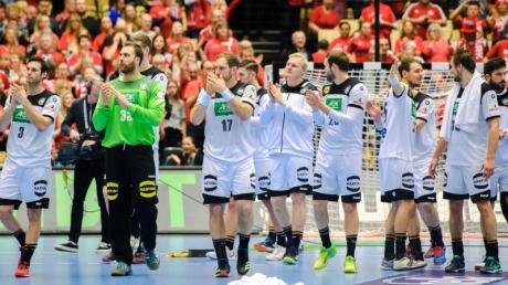 Die Spieler der deutschen Handball-Nationalmannschaft waren nach der Niederlage enttäuscht. Foto: Ludvig Thunman/Bildbyran via ZUMA Press