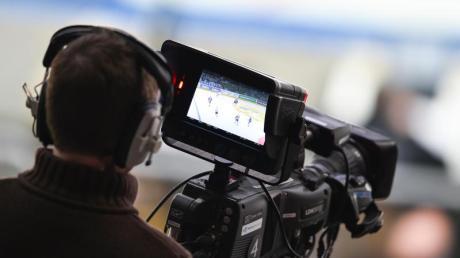 Die Sportarten Eishockey und Basketball wünschen sich mehr TV-Präsenz in ARDund ZDF. Foto: Uwe Anspach