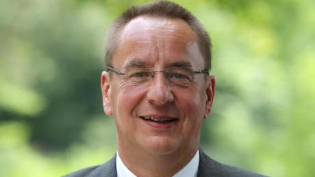 Der Präsident des Deutschen Kanu-Verbandes reagiert auf ausbleibende Sieg bei den Europaspielen mit einem Schulterzucken. Foto: Karl-Josef Hildenbrand