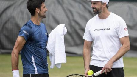 Titelverteidiger Novak Djokovic setzt in Wimbledon auch auf die Unterstützung von Goran Ivanisevic.