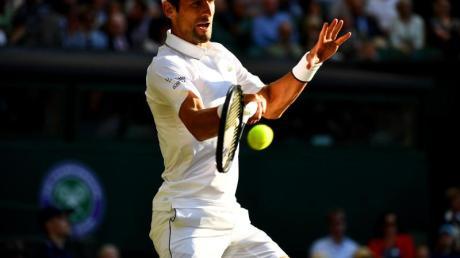 Zog problemlos in Wimbledon in die dritte Runde ein: Novak Djokovic.