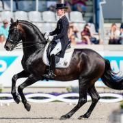 Helen Langehanenberg auf ihrem Pferd Damsey. Foto: Uwe Anspach