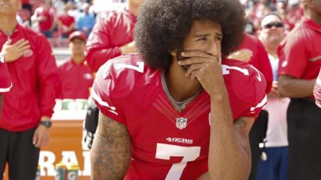 Noch immer ohne NFL-Club: Colin Kaepernick. Foto: John G Mabanglo/epa